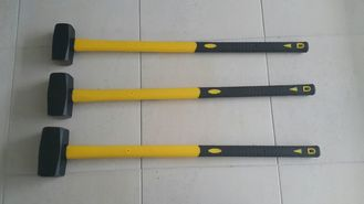 China Black Hardware Hand Tools Sledge Hammer 100% Plastic Coated Fibreglass Handle supplier